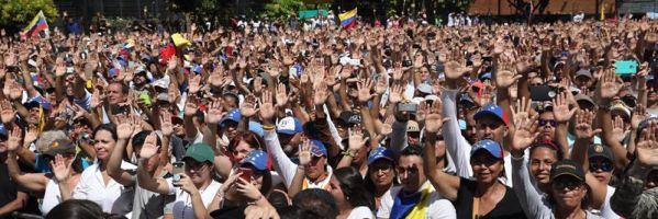 Al menos ocho muertos en las protestas antigubernamentales en Venezuela