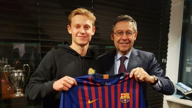 El FC Barcelona hace oficial el fichaje de Frenkie de Jong