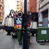 Imagen de una farola después de las fuertes rachas de viento en Castellón.
