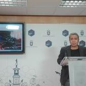 Jose Luis Herrera durante la presentación de la web del Teatro Quijano