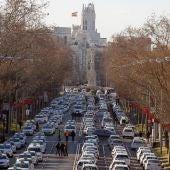 Vista del Paseo de la Castellana cortado por los taxistas