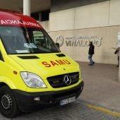 Ambulancia del SAMU en el Hospital Universitario del Vinalopó.