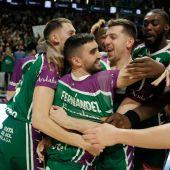 Unicaja celebra el triunfo frente al Real Madrid gracias al triple de Jaime Fernández