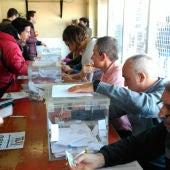 Taxistas votando en la T - 4