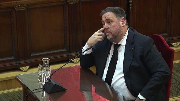 """Junqueras niega haber cometido ningún delito y dice que se considera un """"preso político"""" en el juicio del 'procés'"""