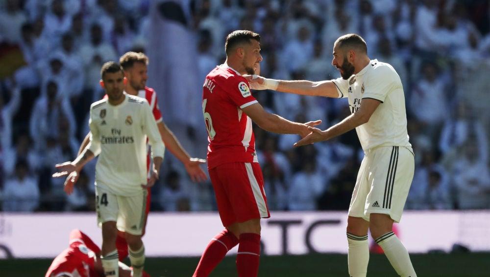 Granell discute con Benzema