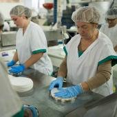 Mujeres en una fábrica