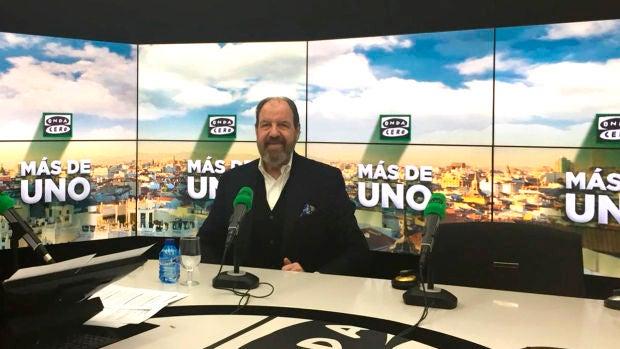 """José María Pou se emociona hasta las lágrimas en su entrevista con Carlos Alsina: """"Nunca en la vida me había pasado"""""""