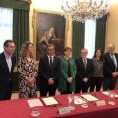 Principado y Ayuntamiento de Gijón firman el convenio de cesión de los terrenos para la ampliación del Hospital de Cabueñes