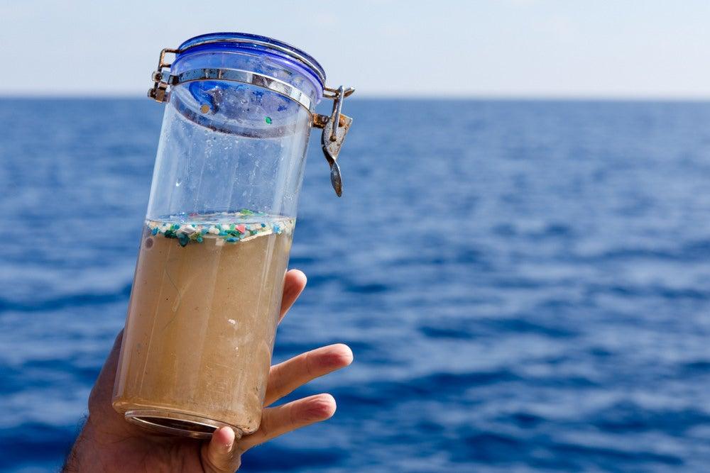 Medio ambiente con Jorge Granullaque: El problema de los microplásticos y cómo atajarlo
