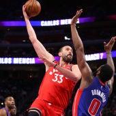 Marc Gasol jugando con los Toronto Raptors