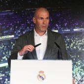Zidane durante la su presentación con el Real Madrid