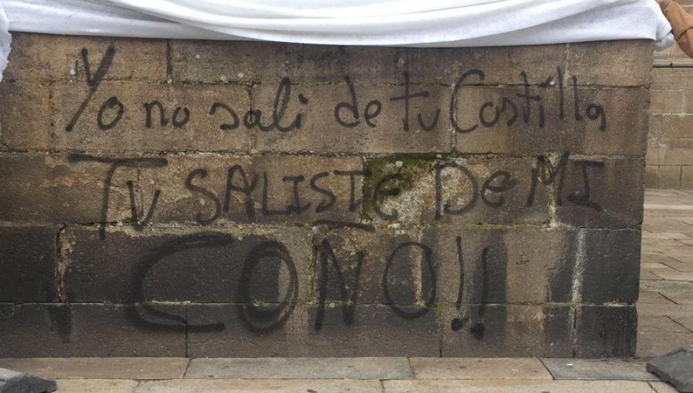 Pintada aparecida en la Catedral de Santiago