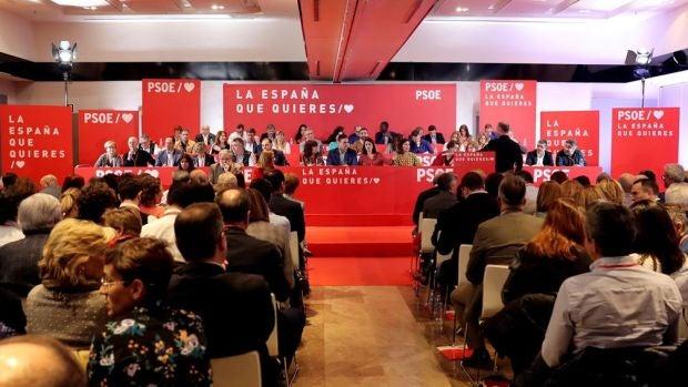 """Sánchez limpia las listas propuestas por Andalucía y Susana Díaz acata, pero """"toma nota"""""""