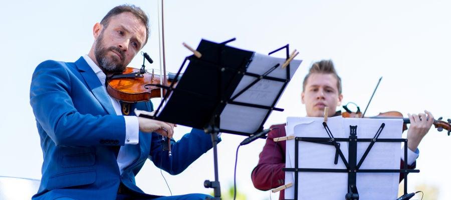 Darling Dyle y Rafael Carrasco violines en Sottovoce Murcia