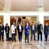 Representantes del Govern balear, agentes sociales y económicos, tras la Mesa de Diálogo que ha aprobado el Plan de ciencia.