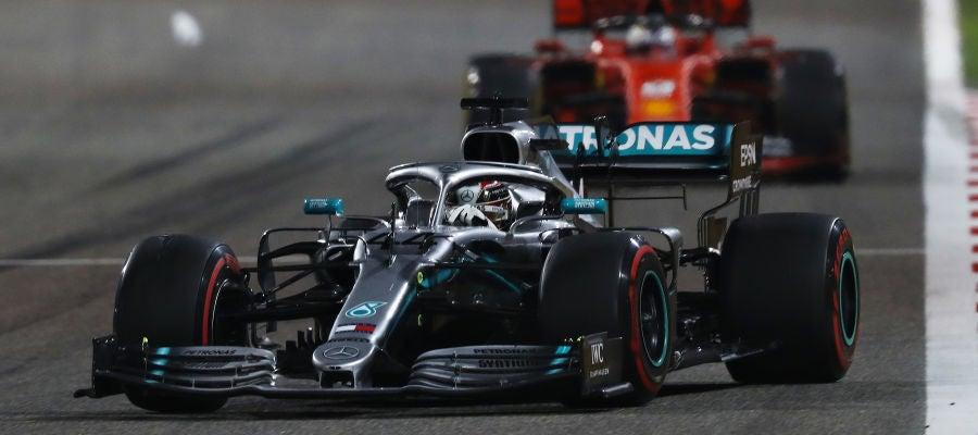 Hamilton, por delante de Vettel en el GP de Baréin