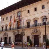 Fachada del ayuntamiento de Palma.