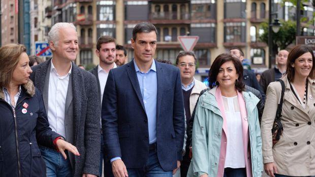 Sánchez ve bien que los debates sean fuera del horario infantil por los insultos que espera de PP y Ciudadanos