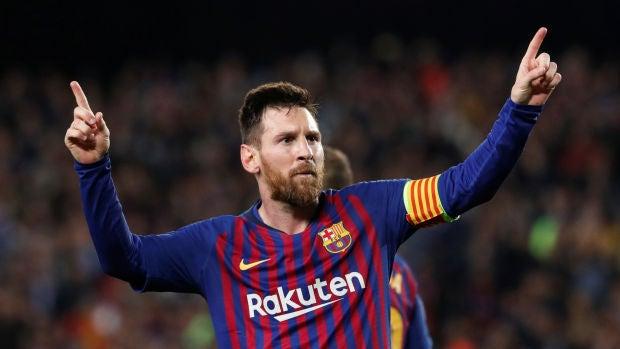 Leo Messi celebra uno de sus goles contra el Liverpool