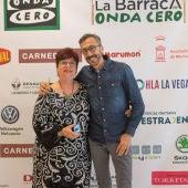 La colaboradora Lola de la Cruz con Julián Vigara