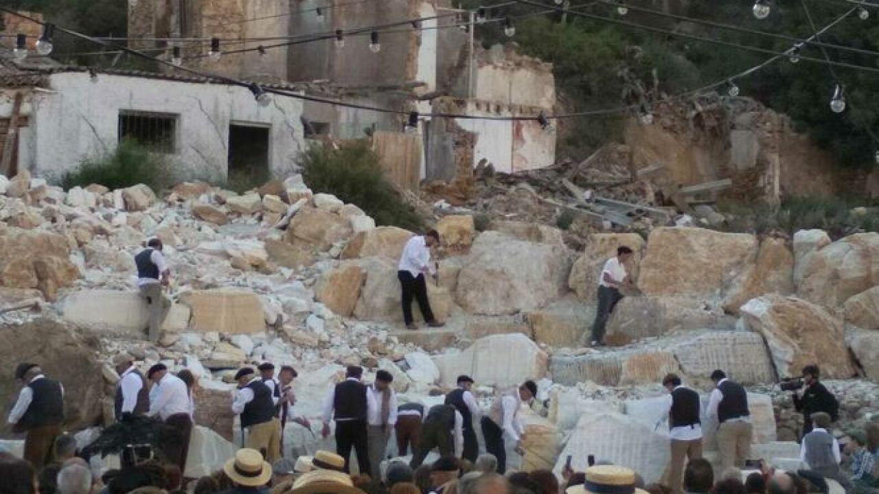"""El Pueblo De Macael Recrea """"Canteros Y Caciques"""