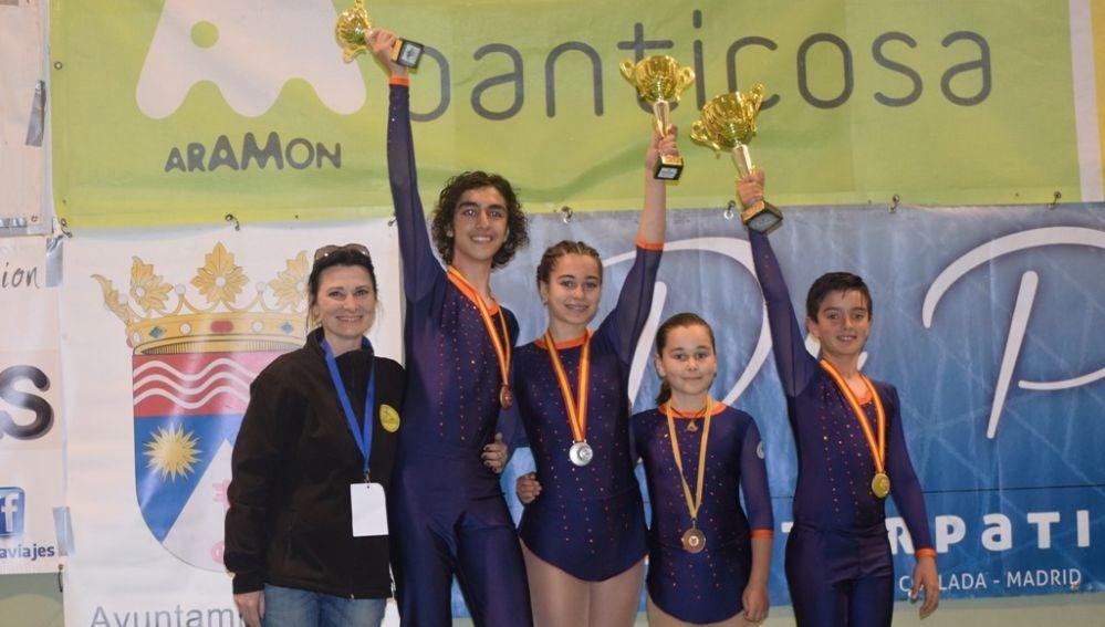 El Club Patinaje Elche regresó con tres medallas del Campeonato de España celebrado en Panticosa.