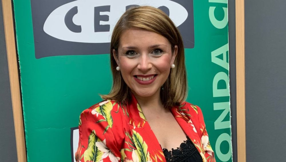 Mari Carmen Sánchez en una visita a Onda Cero Alicante