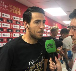 """Dani Parejo: """"He pasado momentos muy complicados y levantar la Copa es histórico"""""""