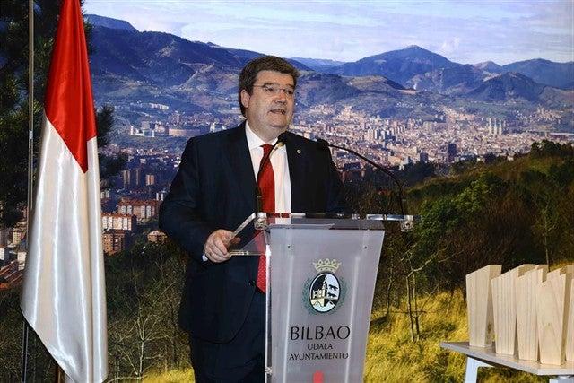 """Juan Mari Aburto, sobre la hostelería de Bilbao: """"Hemos aprobado un plan de apoyo y recuperación mediante bonos"""""""