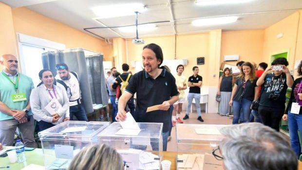 """Iglesias llama a participar en un """"momento histórico"""" para el país"""