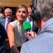 Carlos Alsina saluda a la reina Letizia