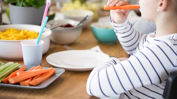 ¿Deberían los colegios públicos adaptar sus menús escolares a la opción vegana?