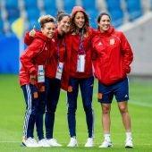 Amanda Sampedro, Marta Torrejón, Lola Gallardo y Silvia Meseguer, antes del arranque del Mundial de Francia