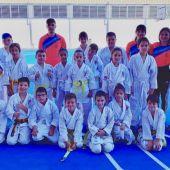 El Club Shotokan Carrús logra seis medallas en el Trofeo Hogueras.