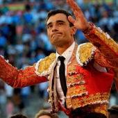 Paco Ureña sale por la puerta grande de Las Ventas
