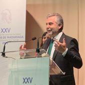 Carlos Alsina en la entrega del premio Madariaga
