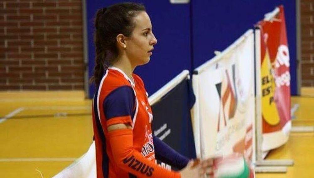 Belén Medina dejó el Club Voleibol Elche, tras el ascenso a Superliga-1, para centrarse en sus estudios.