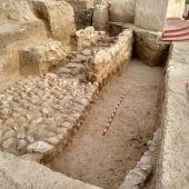 Restos de la muralla de la época íbera encontrada en el yacimiento de La Alcudia de Elche.