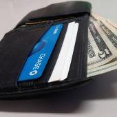 Cuanto mas dinero lleve una cartera perdida mas probable sera que la devuelvas