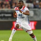 Ndombele, del Olympique de Lyon.