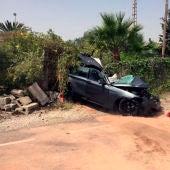 Uno de los vehículos implicados en el accidente del camino de Las Casas Juntas de Elche.