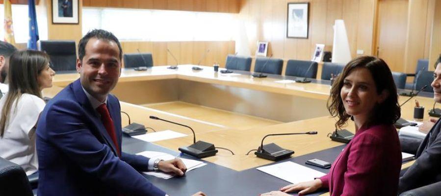 PP y Ciudadanos firman sin Vox un acuerdo de gobierno en la Comunidad de Madrid