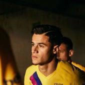 Coutinho, con la segunda equipación del Barça para la 2019/2020