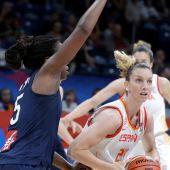 Laura Gil en la final del Eurobasket femenino ante Francia