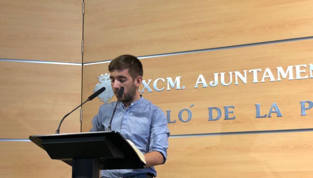Fernando Navarro explica a los medios de comunicación los acuerdos de la Junta de Gobierno Local.
