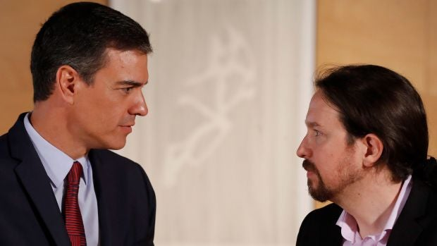 """Las preguntas de Amón: """"¿Cuáles van a ser las consecuencias de la guerra PSOE-Podemos?"""""""