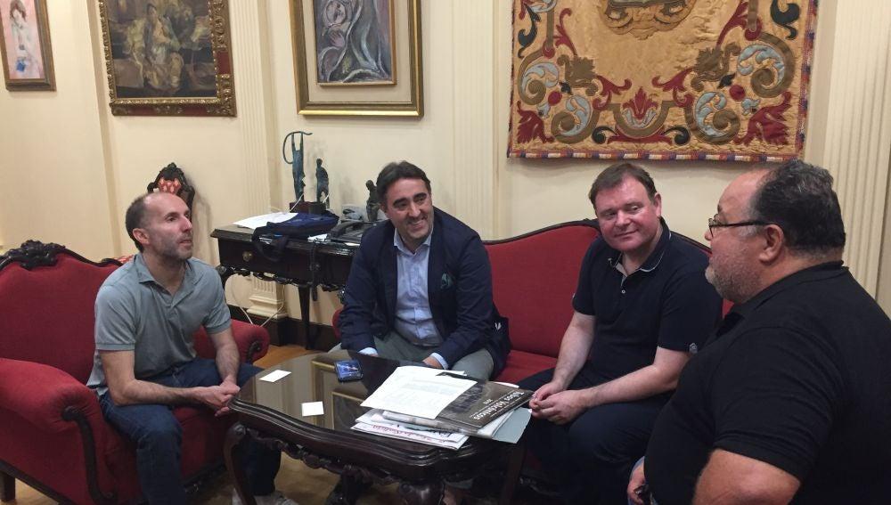 Reunión de Perez Jacome e Jorge Pumar con Nemesio Perez