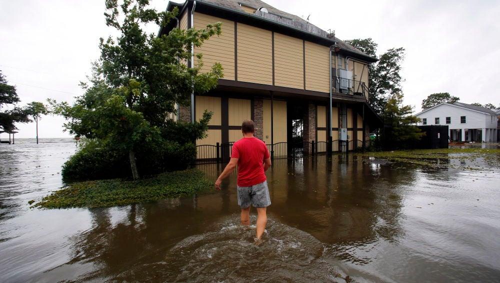 La tormenta tropical Barry se convierte en huracán de categoría 1