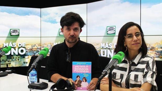 """Borja Prieto y Natalia Flores: """"Nuestros amigos están empezando a reproducirse ahora y están perdiendo la cabeza"""""""